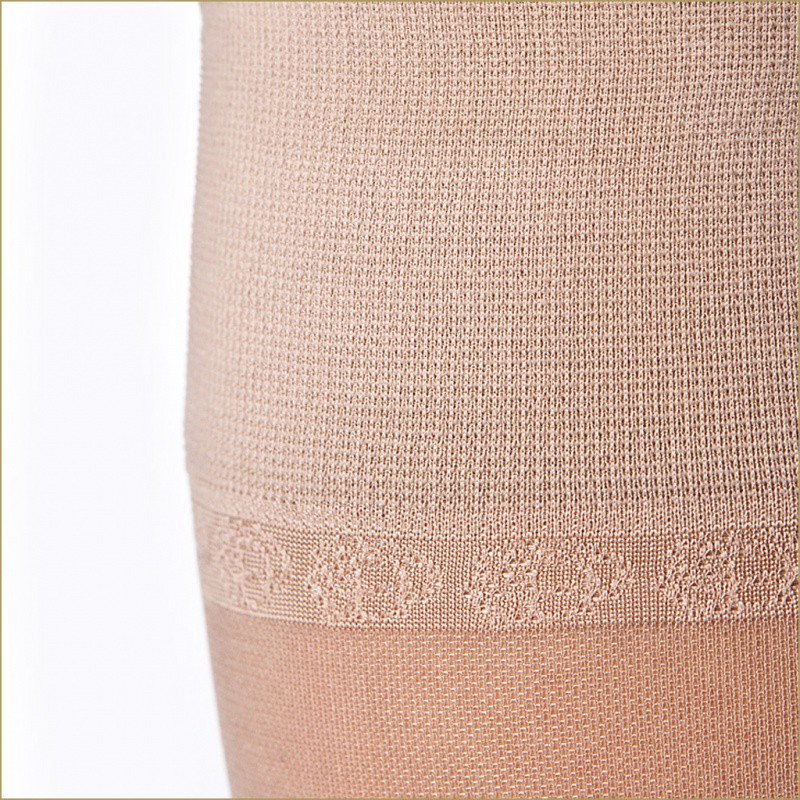 140 DEN SMOOTH KNEE-HIGH STOCKINGS
